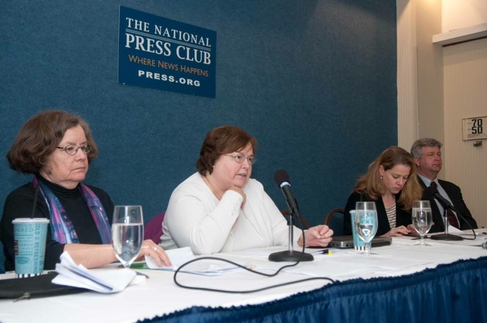 Panelists discuss the increasing difficulty journalists encounter when seeking disclosures from public information officers during a Sunshine Week event at the National Press Club on March 19. Panelists include (l-r) Kathryn Foxhall of NPC's Press Freedom Committee; Carolyn S. Carlson of Kennesaw State University; Emily Richmond of Education Writers Association and David Cuillier, SPJ President. (Noel St John photo)